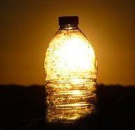 lamparas de botellas de plastico. hacer lamparas